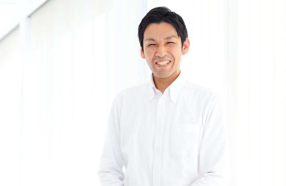 静岡市の小嶋デンタルクリニックの事務・受付 長谷部 浩二