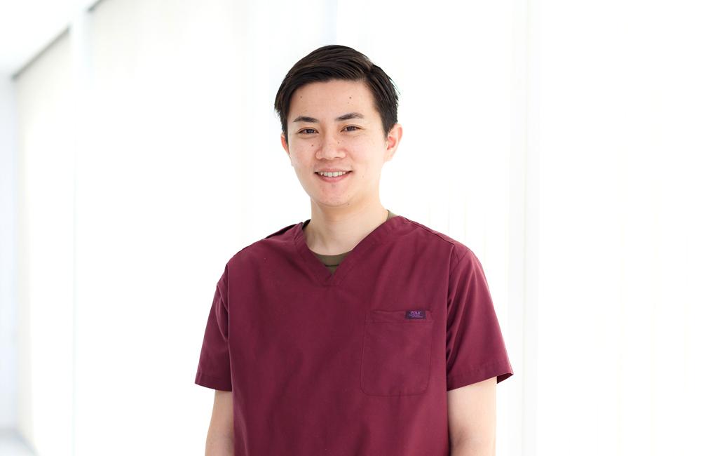 静岡市の小嶋デンタルクリニックの歯科医師 津野 和久